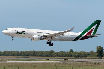 I-EJGB - Alitalia Airbus A330-200