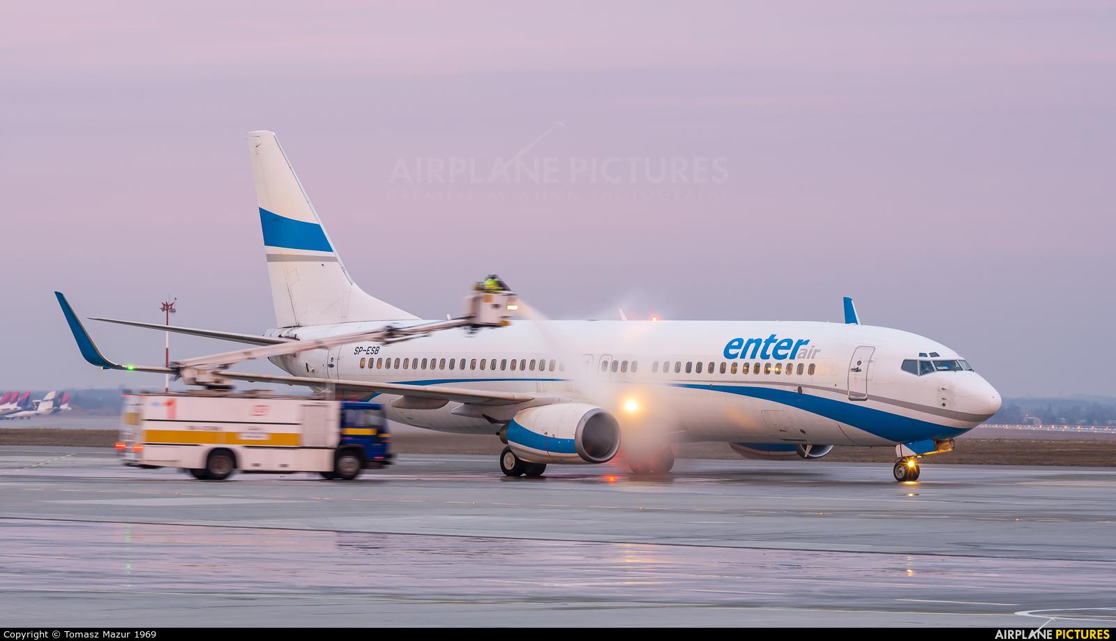 Enter Air SP-ESB aircraft at Katowice - Pyrzowice