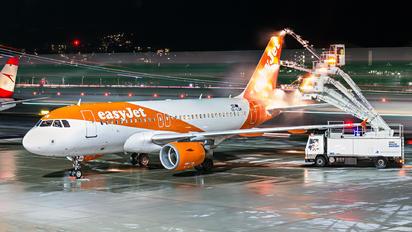 OE-LQW - easyJet Europe Airbus A319