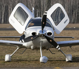 OE-KGE - Private Cirrus SR22T