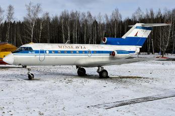 EW-88202 - Minskavia Yakovlev Yak-40