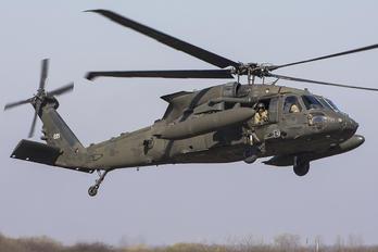 20221 - USA - Army Sikorsky HH-60M Blackhawk