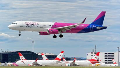 HA-LTE - Wizz Air Airbus A321