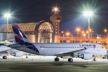 CC-BAS - LATAM Airbus A320