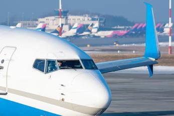 SP-ESG - Enter Air Boeing 737-800