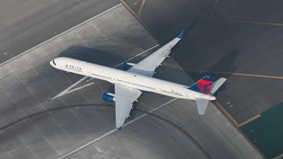 N582NW - Delta Air Lines Boeing 757-300