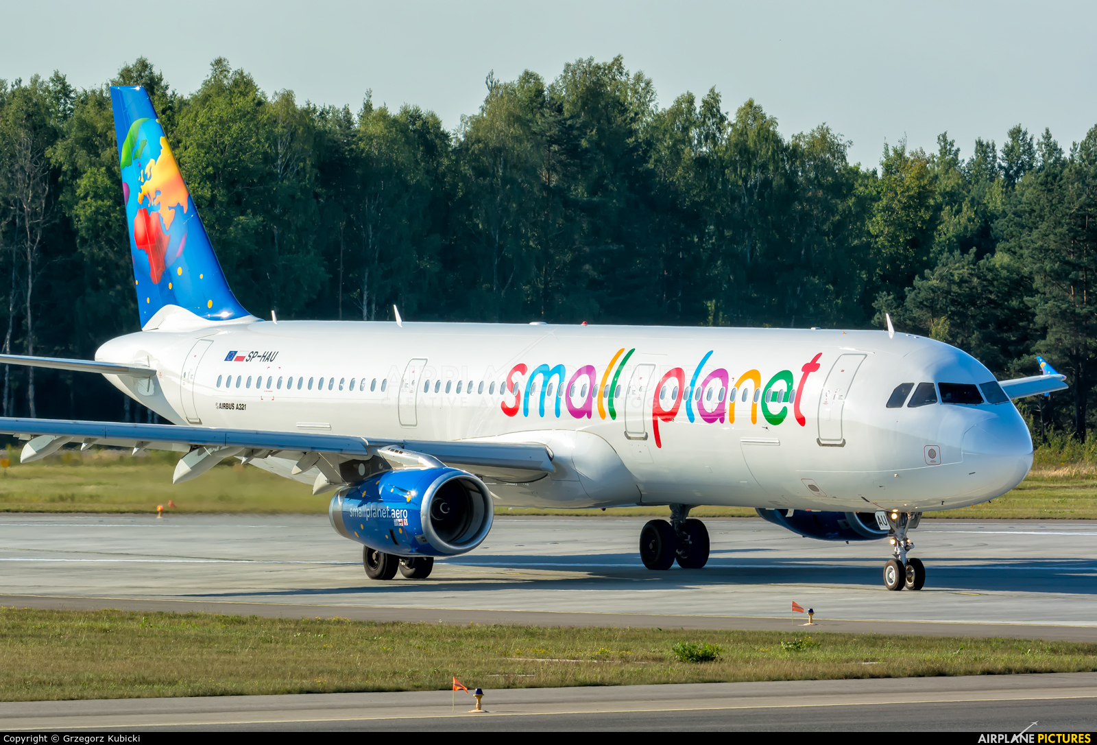 Small Planet Airlines SP-HAU aircraft at Katowice - Pyrzowice