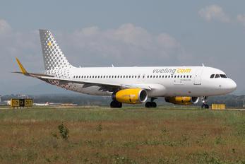 EC-MVD - Vueling Airlines Airbus A320