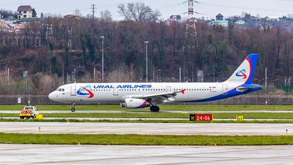 VP-BVA - Ural Airlines Airbus A321