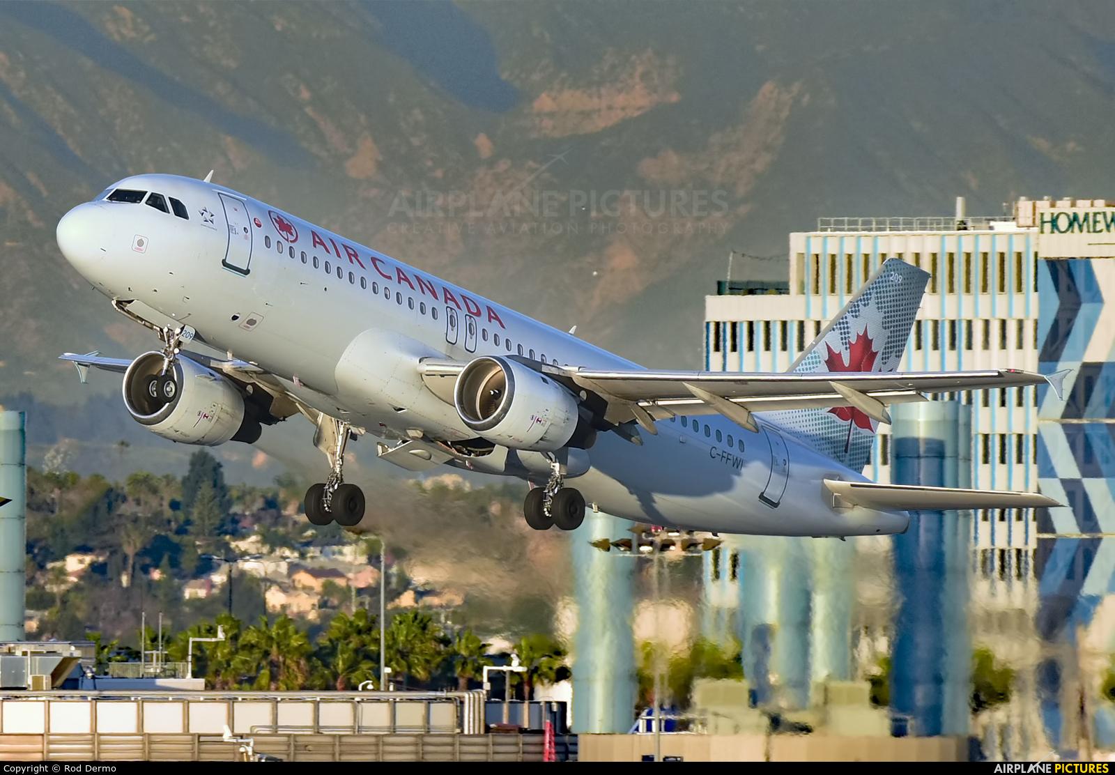Air Canada C-FFWI aircraft at Los Angeles Intl