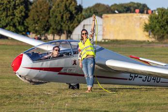 SP-3040 - Aeroklub Bydgoski - Airport Overview - People, Pilot