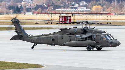 09-20313 - USA - Air Force Sikorsky UH-60M Black Hawk
