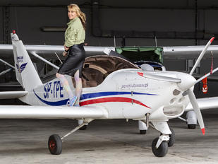 SP-TPE - - Aviation Glamour - Aviation Glamour - Model