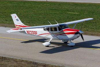 N2200F - Private Cessna 182T Skylane