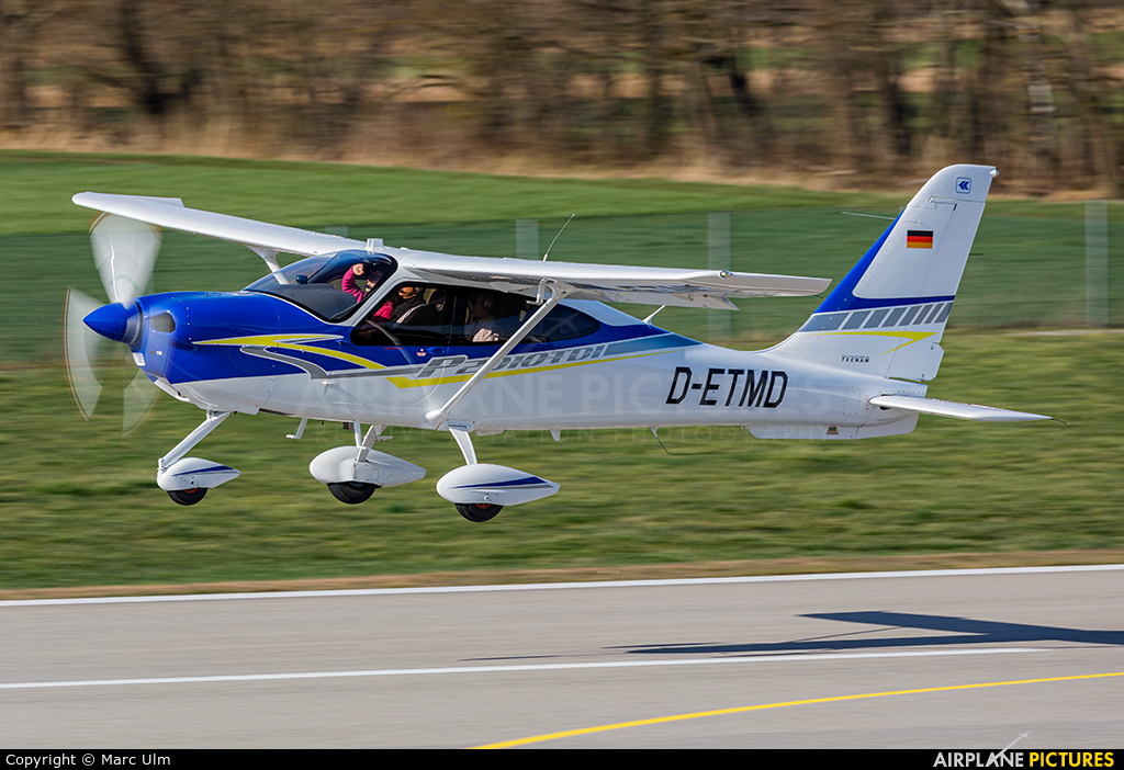 Private D-ETMD aircraft at Augsburg