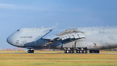 87-0028 - USA - Air Force Lockheed C-5M Super Galaxy