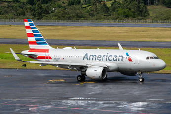 N9004F - American Airlines Airbus A319