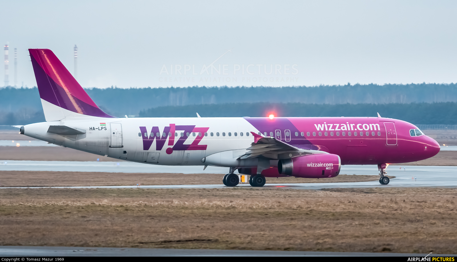 Wizz Air HA-LPS aircraft at Katowice - Pyrzowice