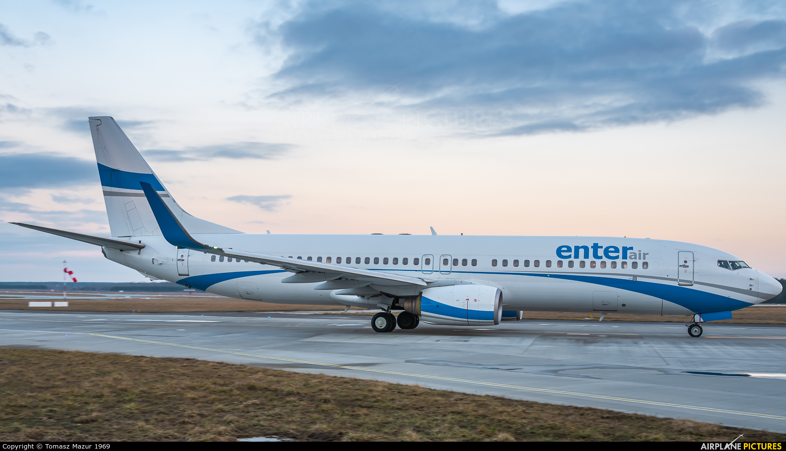 Enter Air SP-ESE aircraft at Katowice - Pyrzowice