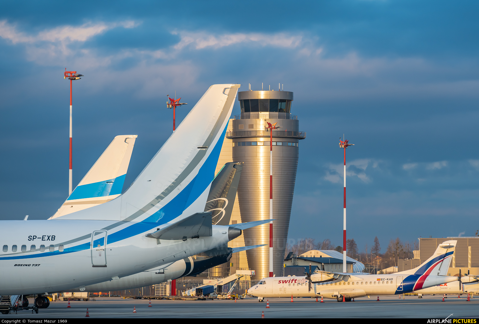 - Airport Overview - aircraft at Katowice - Pyrzowice