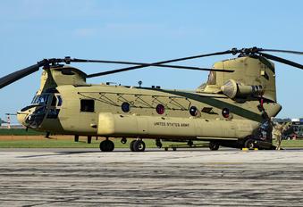 10-08813 - USA - Army Boeing CH-47F Chinook