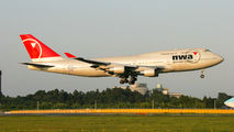 N672US - Northwest Airlines Boeing 747-400 aircraft