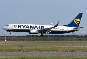 9H-QCM - Ryanair Boeing 737-800
