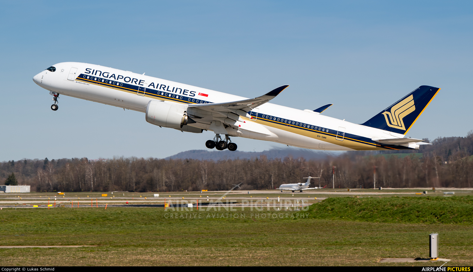 Singapore Airlines 9V-SMN aircraft at Zurich