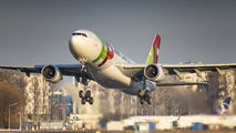 TAP Portugal A330 visited Warsaw with medical cargo title=