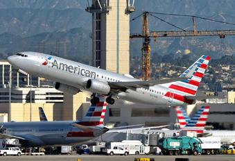 N923NN - American Airlines Boeing 737-800