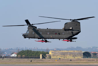 MM81793 - Italy - Army Boeing CH-47F Chinook