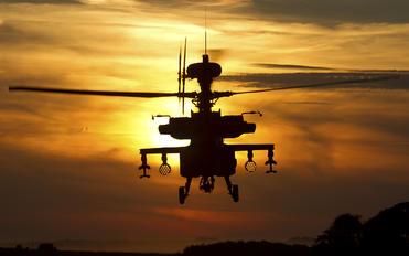 - - UK - Army Air Corps Westland Apache AH.1