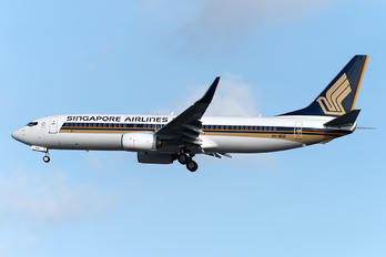 9V-MGB - Singapore Airlines Boeing 737-800