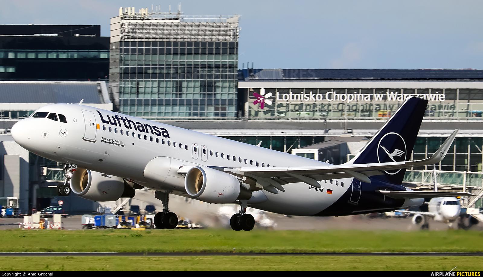 Lufthansa D-AIWK aircraft at Warsaw - Frederic Chopin