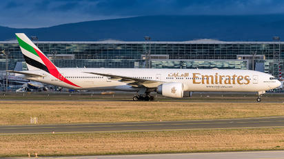 A6-EQI - Emirates Airlines Boeing 777-31H(ER)