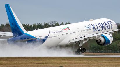 9K-AOM - Kuwait Airways Boeing 777-300ER
