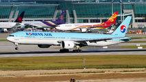 HL8010 - Korean Air Boeing 777-300ER aircraft