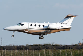I-AFOI - Private Hawker Beechcraft 390 Premier