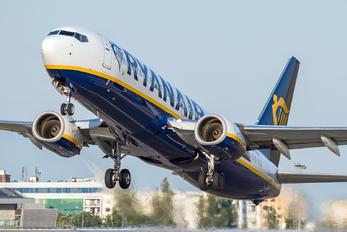 SP-RSC - Ryanair Sun Boeing 737-8AS