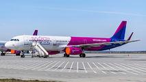 HA-LXA - Wizz Air Airbus A321 aircraft