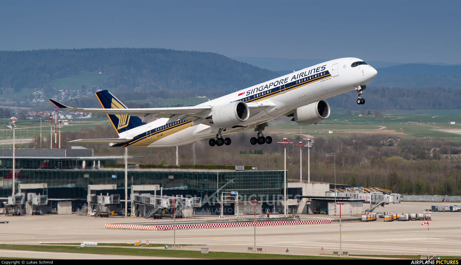 Singapore Airlines 9V-SMS aircraft at Zurich