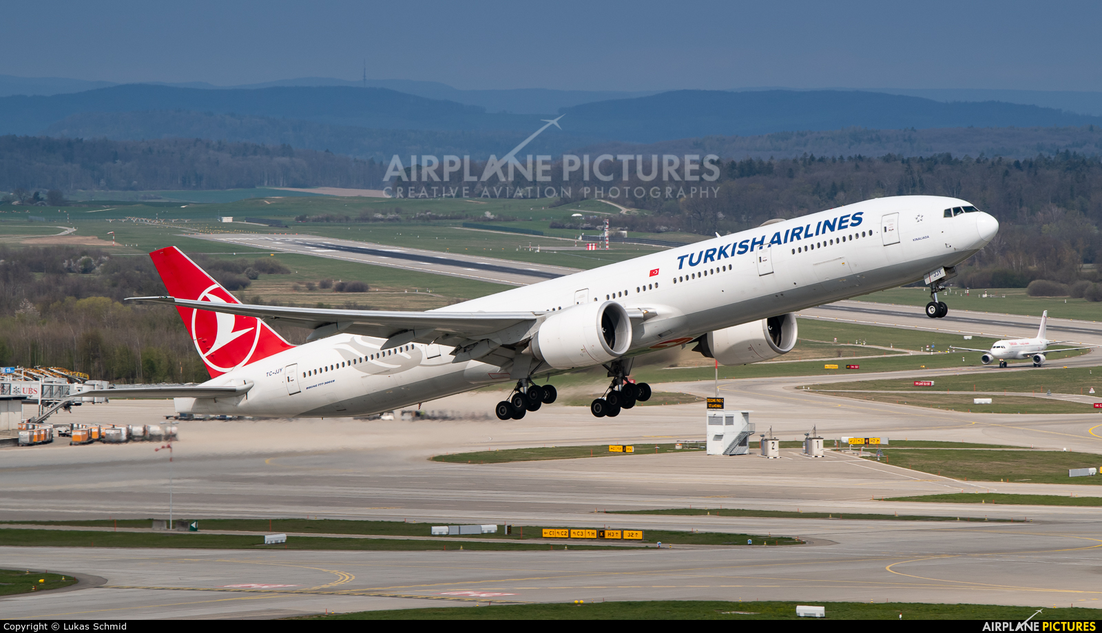 Turkish Airlines TC-JJY aircraft at Zurich