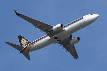 9V-MGD - Singapore Airlines Boeing 737-800