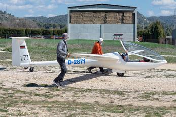 D-2871 - Private Glaser-Dirks DG-300 Elan