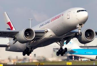 B-220F - China Cargo Boeing 777F