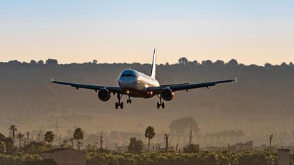 OE-LOC - LaudaMotion Airbus A320