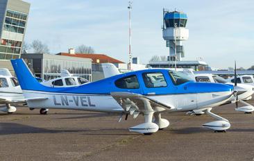 LN-VEL - Private Cirrus SR22