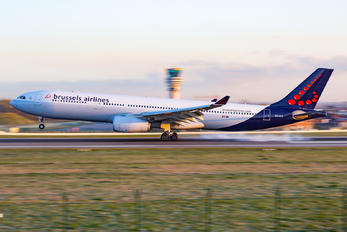OO-SFE - Brussels Airlines Airbus A330-300