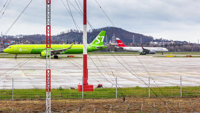VQ-BFQ - - Airport Overview - Airport Overview - Apron
