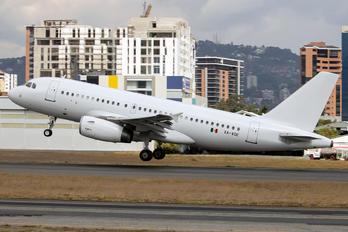 XA-VOE - Volaris Airbus A319